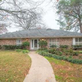 1708 Paisley Drive, Arlington, TX  76015