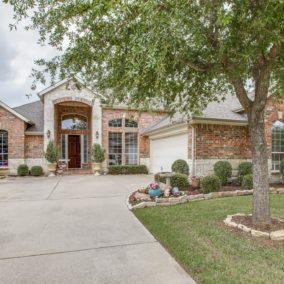 8404 Pecan Creek Drive, Arlington, TX  76001